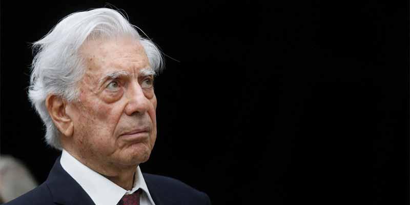 """Mario Vargas Llosa: """"Me gustaría que la muerte me hallara escribiendo, como un accidente"""""""
