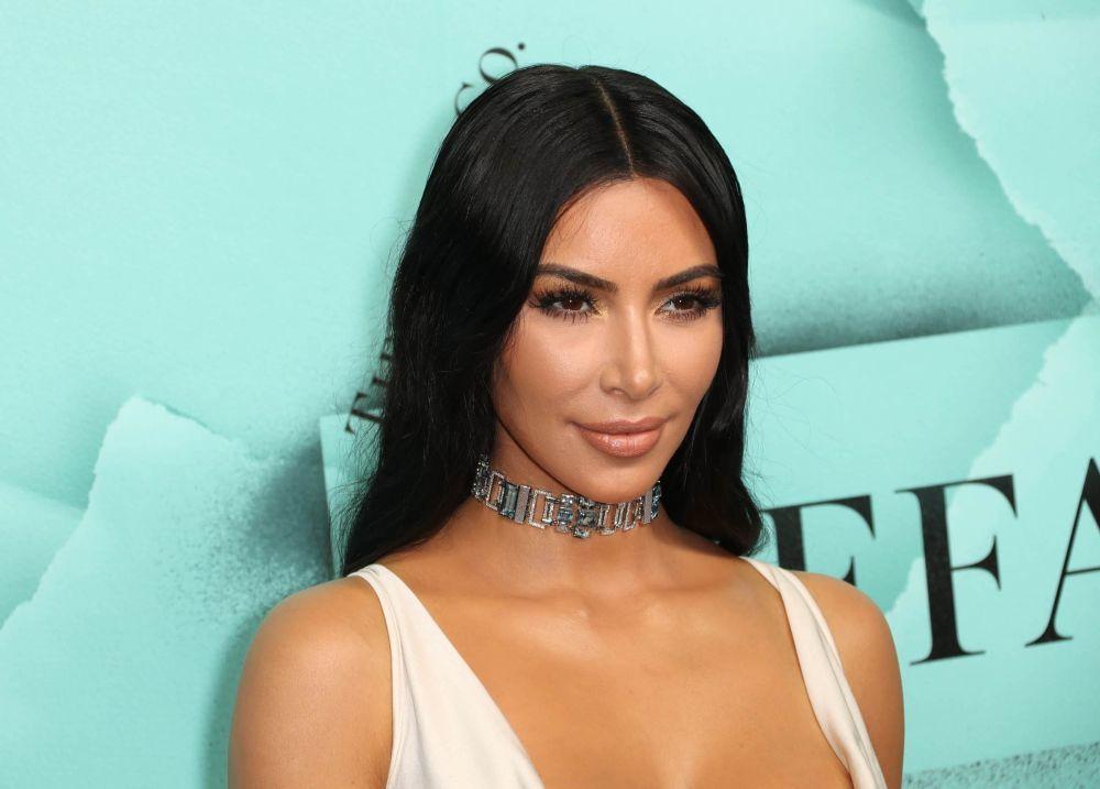 """Sigue la polémica: alcalde de Kioto exige a Kim Kardashian no llamar """"Kimono"""" a su colección más sensual"""