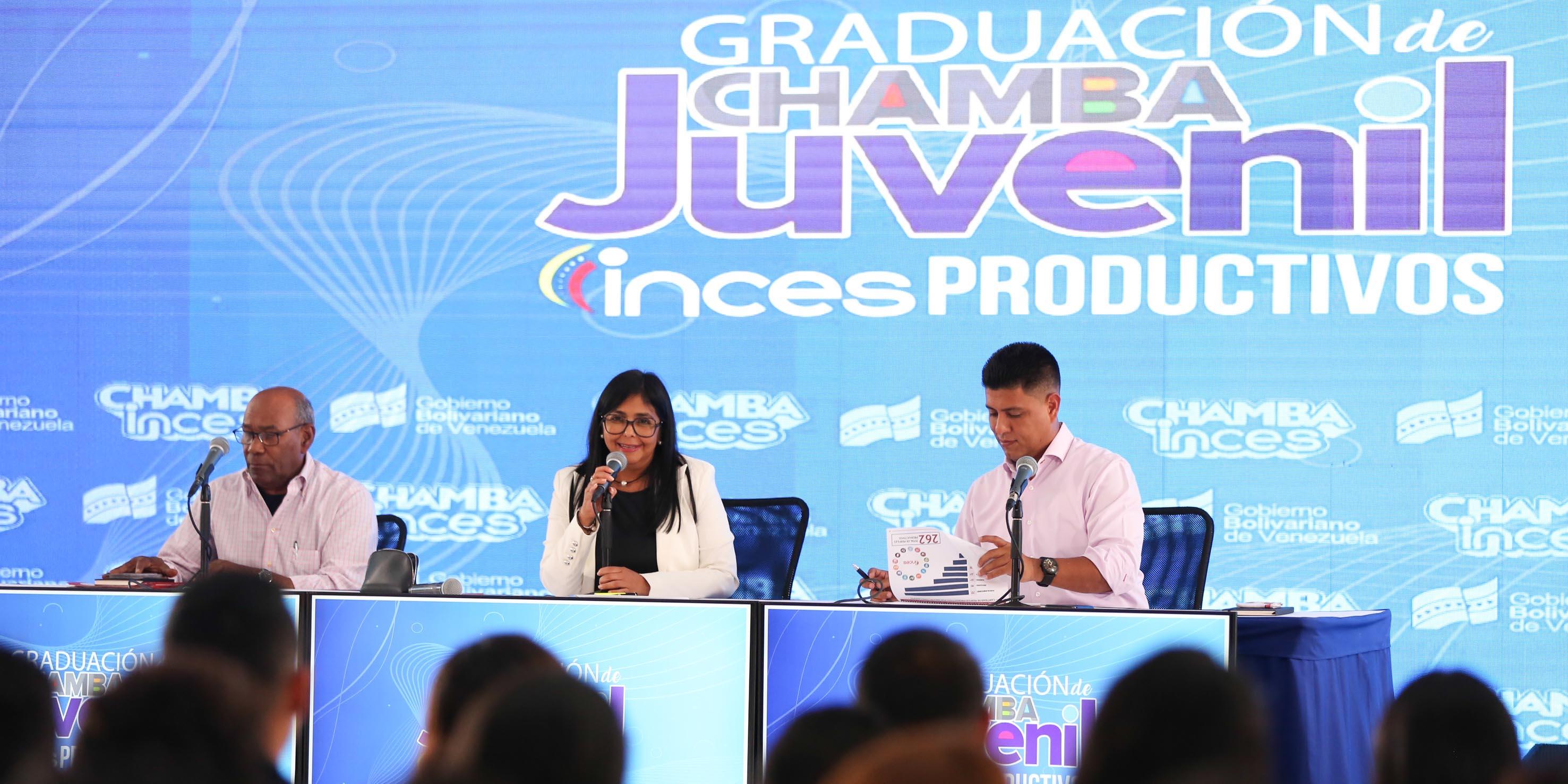 "Las mentiras del régimen chavista: ""Me graduaron de bachiller para que Maduro nos viera, pero no estudié nada"""