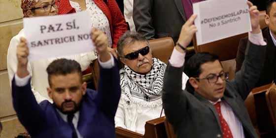 Indignación en Colombia: Las reacciones tras la toma de posesión como diputado del ex líder guerrillero de las FARC