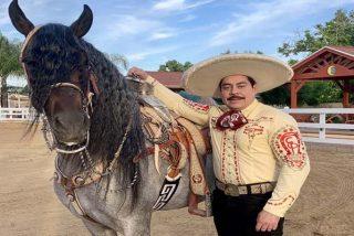 """El Charro de México: """"No le aflojen inmigrantes, que el sueño americano existe"""""""