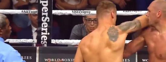 Otra sucia victoria en el boxeo: Golpe ilegal y nocaut en el tercer round