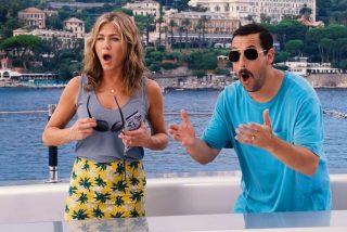 """Jennifer Aniston hace una curiosa petición a Adam Sandler antes de sus escenas de besos en """"Murder Mystery"""""""