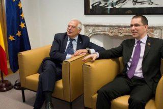 Venezuela: Un ministro chavista da órdenes en público a Josep Borrell y Michelle Bachelet