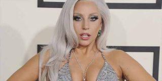 La sensualidad infartante de Lady Gaga con un hilo de cristal (y todos mencionan a Bradley Cooper)