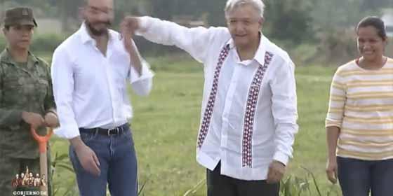 El bofetón de López Obrador a Nayib Bukele, presidente de El Salvador, que se viralizó en las redes