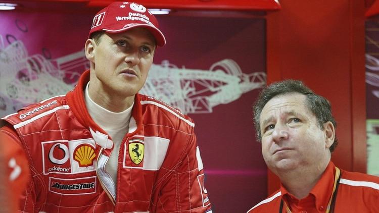 """Michael Schumacher está """"muy bien rodeado, vive con su familia en su casa"""""""