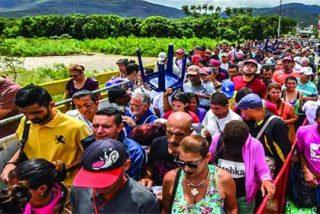 """ACNUR: Venezolanos rompen record de entrada en Perú ante las restricciones de la nueva """"visa humanitaria"""""""