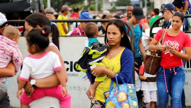 """""""Paren de parir"""": Una periodista exige al gobierno colombiano control reproductivo de los venezolanos"""