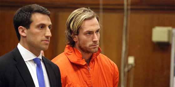 Un multimillonario fue asesinado por su hijo porque le redujo la mesada