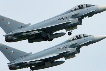 Desastre aéreo en Alemania: Dos aviones caza chocan y caen sobre zonas pobladas