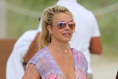 Una Britney Spears llena de ira acusa a los paparazzi de editar las imágenes para sumarle kilos