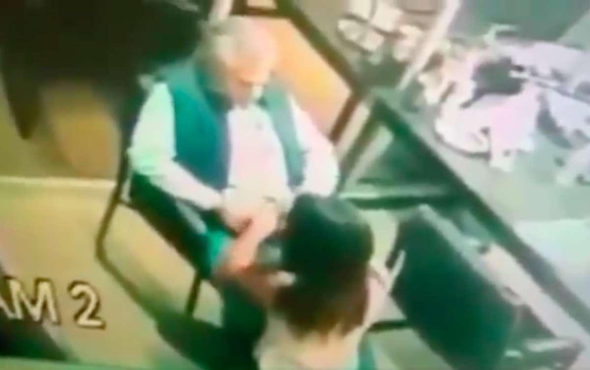 Vídeo: Pillan a un funcionario público mexicano teniendo relaciones sexuales en la oficina