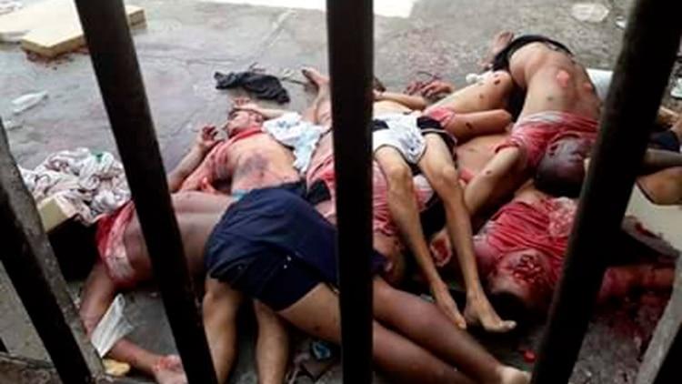 Las macabras y sangrientas imágenes de la masacre que dejó diez presos decapitados en una cárcel paraguaya