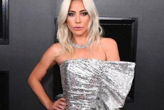 Lady Gaga desvela sus tatuajes más privados en un fino tanga