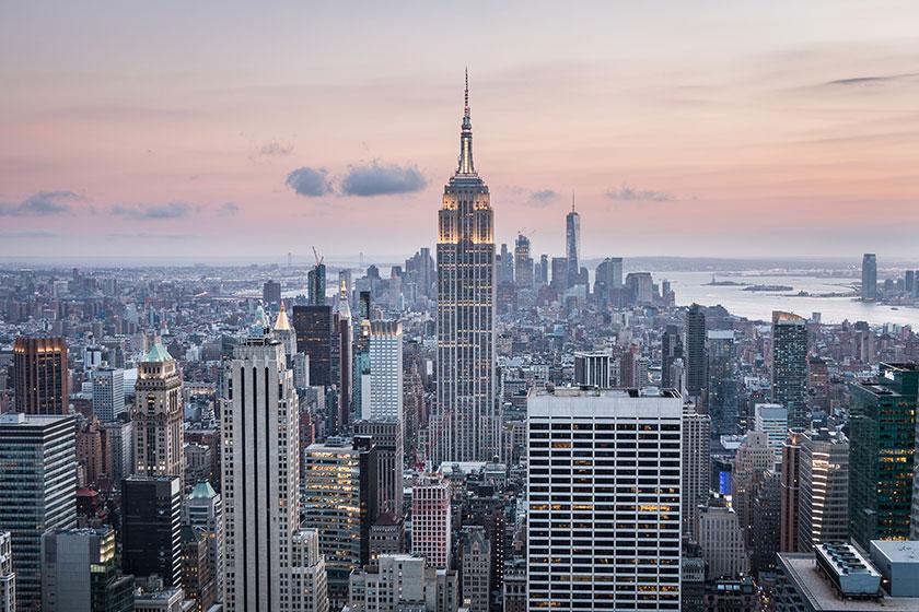 Nueva York prohíbe usar la religión como excusa para no vacunarse