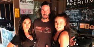 Se monta la mundial en la red, con la obsesión del bello Keanu Reeves de no tocar ni un pelo a las mujeres