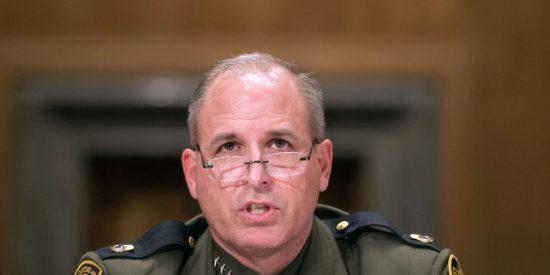 """El ICE pide a inmigrantes ilegales """"entregarse"""" por las buenas para ser deportados"""