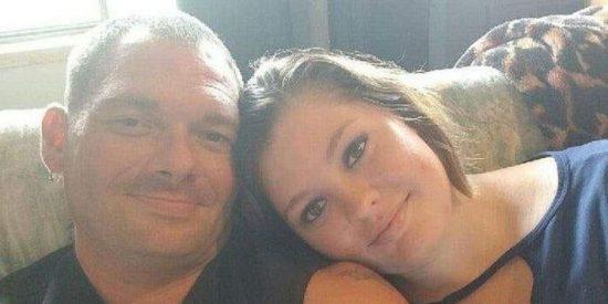 El 'guiño' de la justicia a la joven que se enamoró y comparte cama con su padre