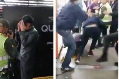 Vídeo: Atrapan y golpean a un hombre por masturbarse frente a una niña en un autobus