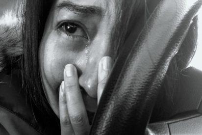 """El duro testimonio de una violada: """"Quedé destrozada, así que tomé mi cámara e hice estas fotos"""""""