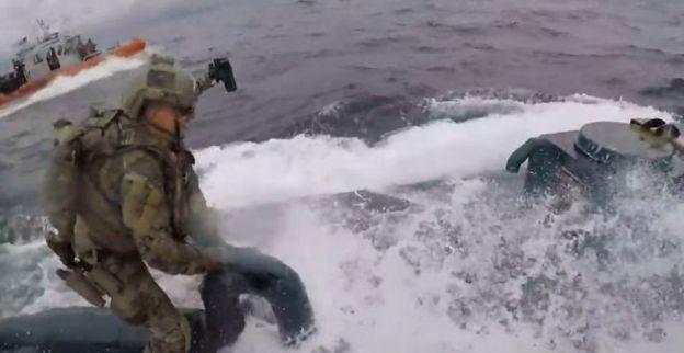 Vídeo: Así fue la espectacular captura de un narcosubmarino con más de 7 toneladas de cocaína