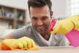 Foto: Esposo recibe cerveza y sexo oral si ayuda a realizar las tareas domésticas
