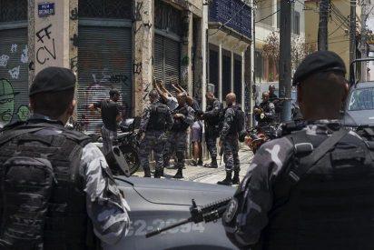 Horror en Brasil: Hallan un cementerio clandestino de la milicia urbana en Río de Janeiro
