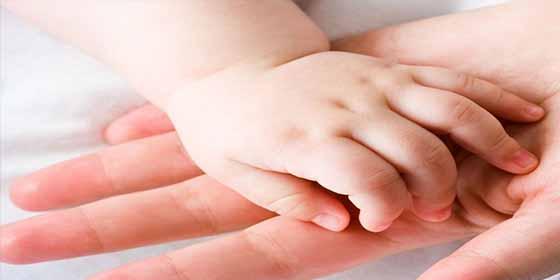 Asombro médico: Nace una bebé con tres cabezas