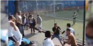 Vídeo: Épica pelea campal durante un partido de fútbol infantil