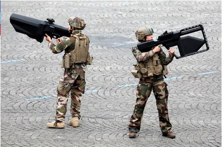 Fotos: Francia presume de sus armas futuristas durante su Fiesta Nacional