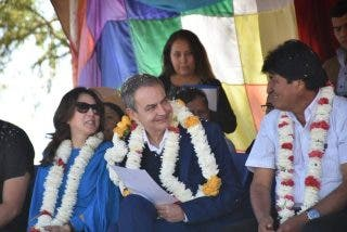 Zapatero se deshizo en elogios hacia Evo Morales pero no le salió gratis: