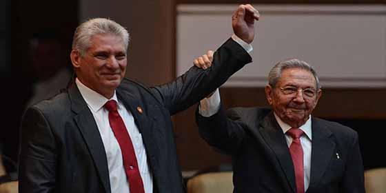 Propaganda comunista: Las insólitas medidas que harán 'crecer' a la economía cubana en 2019
