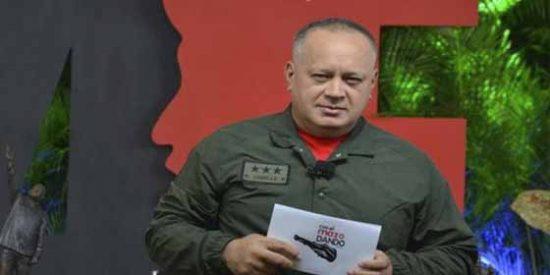 """Diosdado Cabello tilda de """"periódico fascista"""" a 'El País' pero se recrea en su entrevista a Juan Guaidó"""