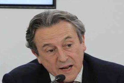 """Hermann Tertsch enciende las alarmas por la masiva llegada de chavistas a España: """"Hay que mirarlos con mucho cuidado, caso por caso"""""""
