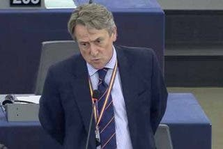 Hermann Tertsch se pone serio con los tibios del Parlamento Europeo: Arremete contra Mogherini y Podemos por intentar esconder la masacre chavista
