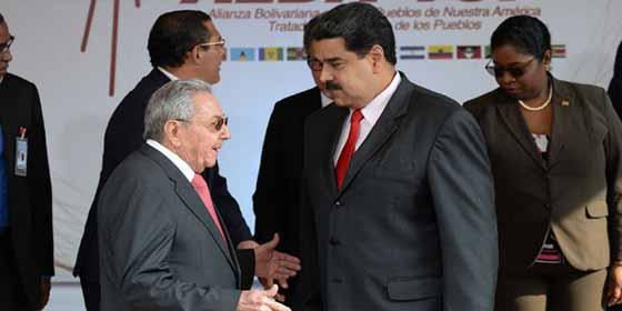 EEUU 'castiga' a Raúl Castro y sus hijos con sanciones por respaldar al régimen de Maduro y por las violaciones de DDHH