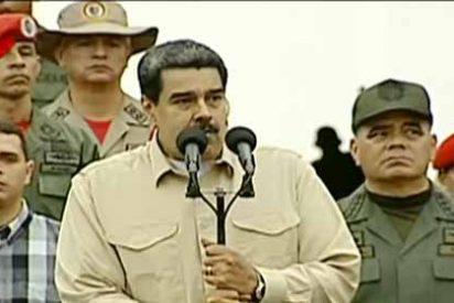 El cagueta Nicolás Maduro jadeando por unos pajaritos que cantaron repentinamente en pleno discurso en la Academia Militar