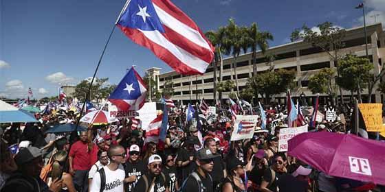 """Artistas puertorriqueños estallaron de júbilo tras la renuncia de Rosselló: """"Se siente cabrón, puñeta"""""""