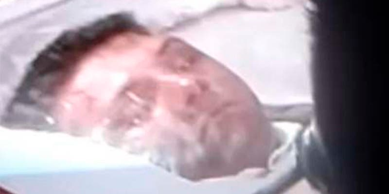 El misterioso parpadeo del cantante Sergio Gómez, estrangulado por narcos, cuando abren su ataud