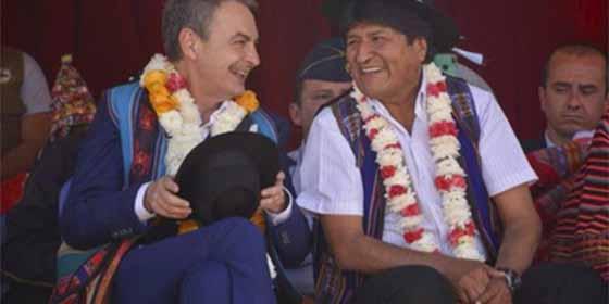 Hunden a Zapatero con un tuit por ir a mendigar a Bolivia tras fracasar en Venezuela
