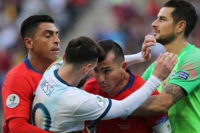La Conmebol confirma la sanción contra Gary Medel por su cruce con Lionel Messi