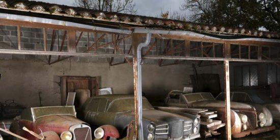 Encuentran en un granero 60 coches de lujo, que estuvieron escondidos 50 años en una remota granja