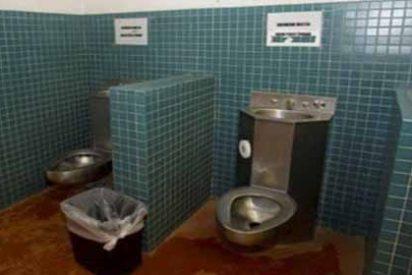 Migrantes detenidos en EEUU son obligados a beber agua de grifos pegados a inodoros