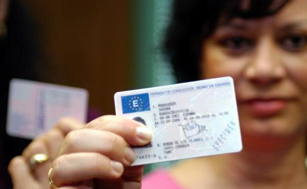 Los 9 requisitos de la DGT para canjear el carnet de conducir de Venezuela
