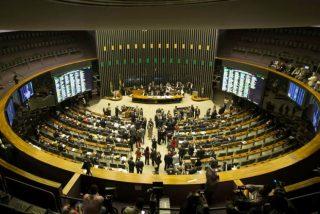 El Congreso de Brasil fija en 35 años los aportes de las mujeres para recibir la jubilación completa