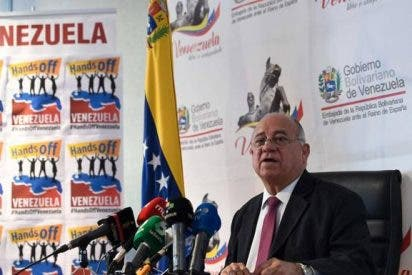 Exclusiva PD: El chavismo utiliza al Partido Comunista y a IU para empapelar las ciudades españolas con propaganda 'bolivariana'