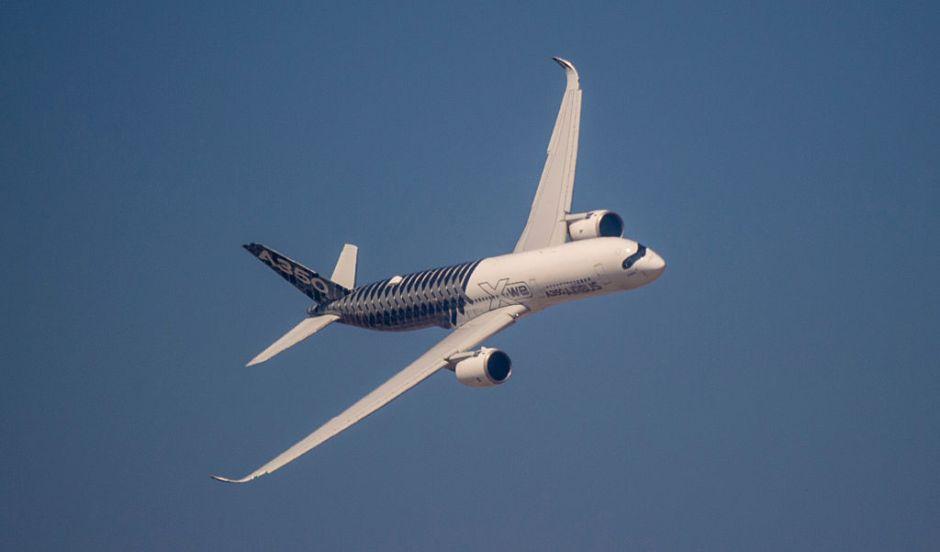 Cae de un avión donde viajaba escondido para saltar los controles migratorios
