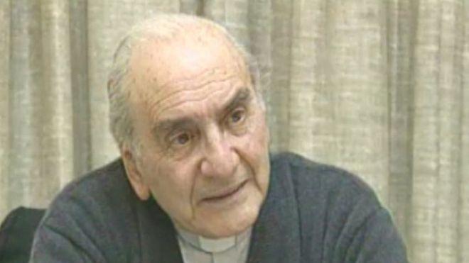 El devastador informe que revela los abusos sexuales del sacerdote jesuita más ensalzado de Chile