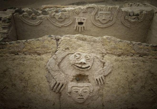 ¿Premonitorio?: El mensaje que ocultan los signos del mural de 3.800 años recién descubierto en Perú